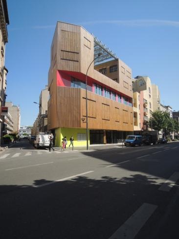 Façade avenue Gabriel Péri avec volets fermés